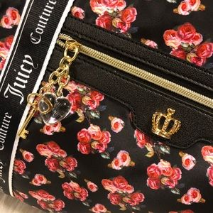 Juicy Couture Bags - 🆕Just in🆕Juicy Couture large Weekender bag